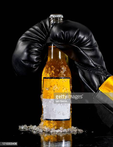 boxing glove and beer - ian gwinn bildbanksfoton och bilder