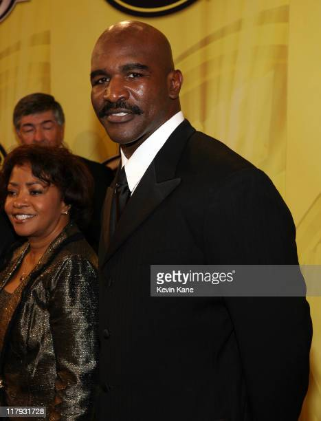 Boxing great Evander Holyfield arrives at the 2006 NASCAR nextel Cup Series Awards Banque held in the main Ballroom of the Waldorf Astoria Hotel in...