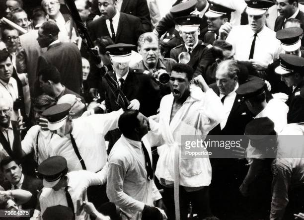 Boxing Heavyweight World Title Miami Beach Florida USA 25th February 1964 Cassius Claythe challenger became the new champion winning on a technical...