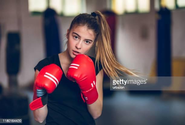 boxning i gymmet - boxning sport bildbanksfoton och bilder