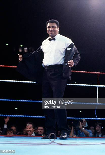Boxing legend Muhammad Ali is introduced to the crowd at Wembley Arena in London 19th July 1986