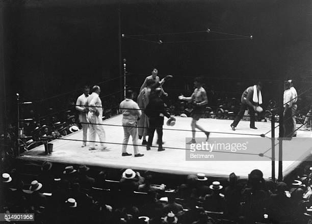 Boxing match between world light heavyweight champion Tommy Loughran and James Braddock at Yankee Stadium