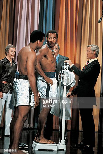 Boxing NABF Heavyweight Title Preview Muhammad Ali and Ken Norton with Johnny Carson during simulated weighin on television set of THE TONIGHT SHOW...