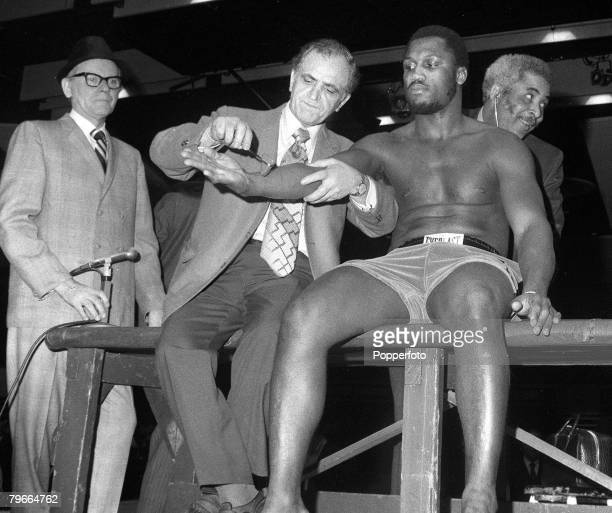 Boxing New York USA 4th March 1971 World Heavyweight boxing champion Joe Frazier has a prefight medical inspection in New York prior to his title...
