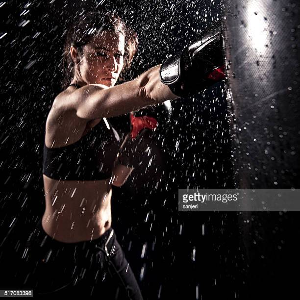 boxing power - bodybuilding stockfoto's en -beelden