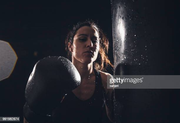 boxing power - women's boxing stock pictures, royalty-free photos & images