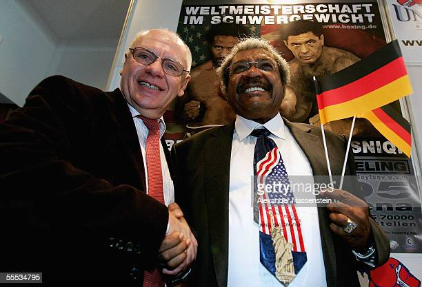 Boxing promoters KlausPeter Kohl of Germany and Don King of USA talk to the media during a press conference at Hamburg Airport on September 15 2005...