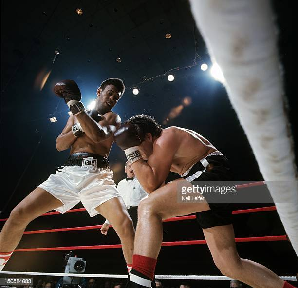 Heavyweight Elimination Tournament: Jimmy Ellis in action vs Oscar Bonavena during Semifinals fight at Freedom Hall. Louisville, KY 12/2/1967 CREDIT:...