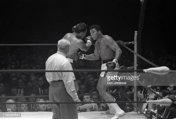 WBA World Heavyweight Title Muhammad Ali in action vs Cleveland Williams at Astrodome View of SI photographer Neil Leifer in frame Houston TX CREDIT...