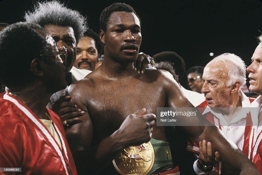 Larry Holmes vs Gerry Cooney, 1982 WBC Heavyweight Title : News Photo