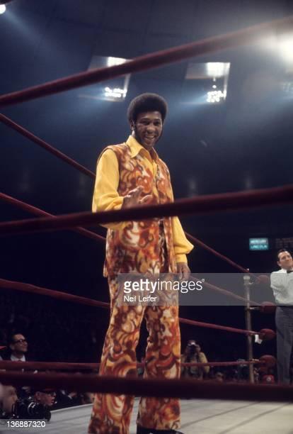 Boxing: WBC/ WBA World Heavyweight Title: View of former champion Jimmy Ellis in ring before Joe Frazier vs Muhammad Ali fight at Madison Square...