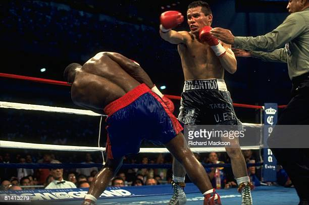 Boxing: WBC Welterweight Title, Pernell Whitaker in action, Julio Cesar Chavez in action, throwing punch at Alamodome, San Antonio, TX 9/10/1993
