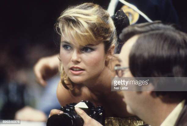 WBC Welterweight Title SI Swimsuit model Christie Brinkley photographs the fight from ringside seat during Sugar Ray Leonard vs Roberto Duran bout at...