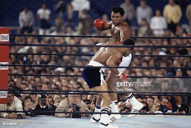 Boxing: WBC/WBA Heavyweight Title, Muhammad Ali in action, throwing punch vs Ken Norton at Yankee Stadium, Bronx, NY 9/28/1976