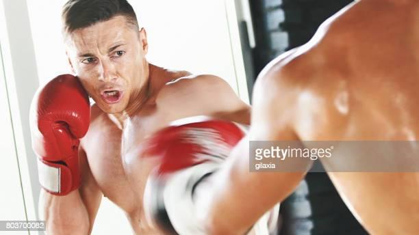boxing workout. - gilaxia foto e immagini stock