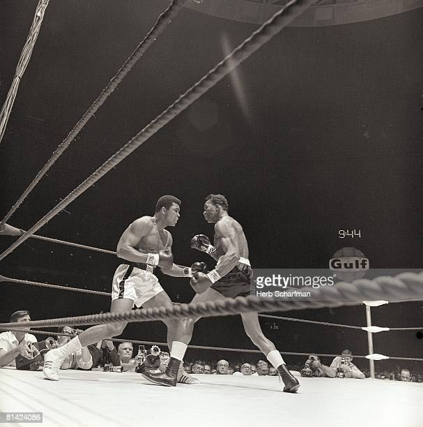 Boxing World Heavyweight Title Muhammad Ali in action vs Cleveland Williams at Astrodome Houston TX