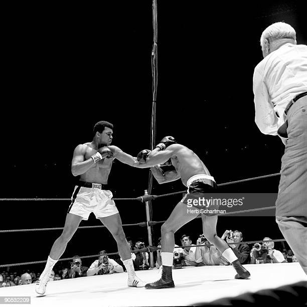 World Heavyweight Title Muhammad Ali in action vs Cleveland Williams during fight at Astrodome Houston TX CREDIT Herb Scharfman