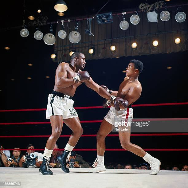 Boxing World Heavyweight Title Muhammad Ali in action vs Sonny Liston during fight at Miami Beach Convention Hall Miami Beach FL 2/25/1964 CREDIT...