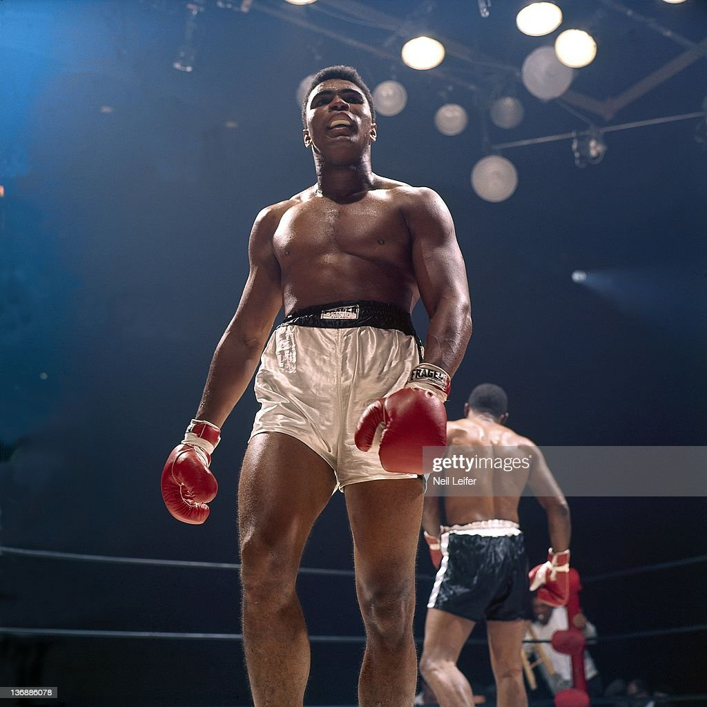 Literary News From All Corners Of The World: Muhammad Ali Walking To Corner During Fight Vs Floyd