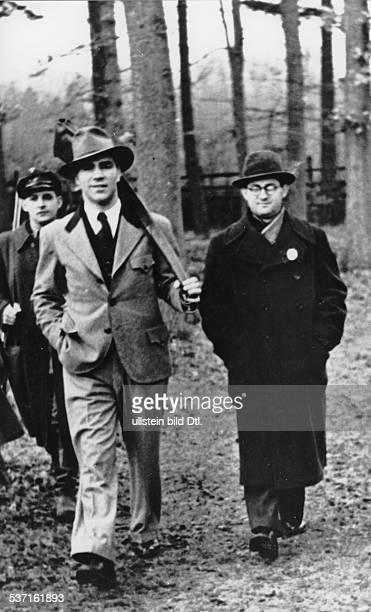 Boxsportler D bei einem Jagdausflug mit dem Journalisten Wilhelm Fanderl Januar 1938