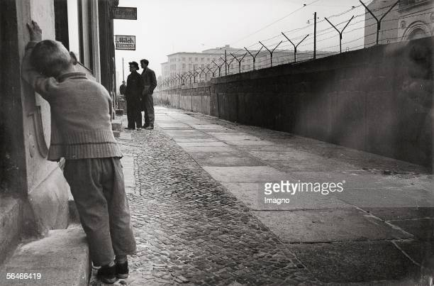 Boy at the Berlin Wall Photography Germany 1961/62 [Kleiner Junge an der Berliner Mauer Berlin Photographie 1961/62]