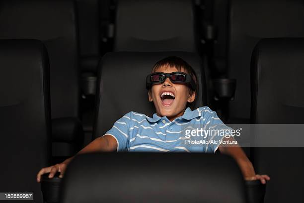 boy enjoying 3-d movie in theater - epic film foto e immagini stock