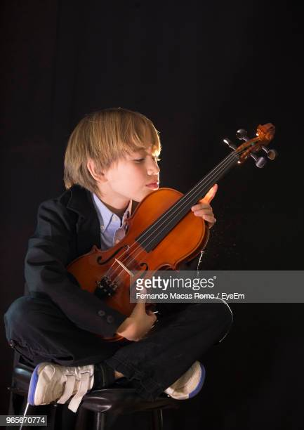 60 Top Violin Black And White Pictures, Photos and Images