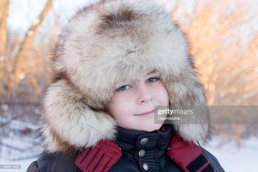 Junge im winter-Hut : Stock-Foto
