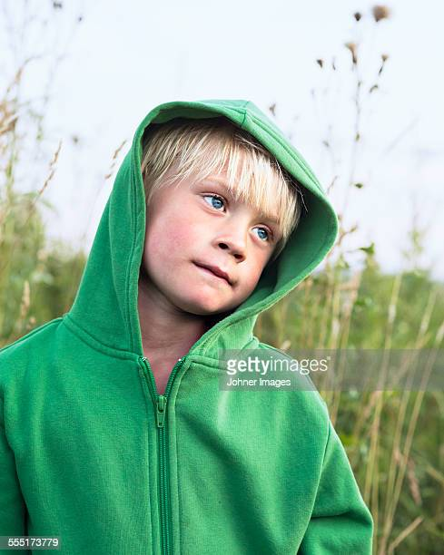 boy looking away - レクサンド ストックフォトと画像