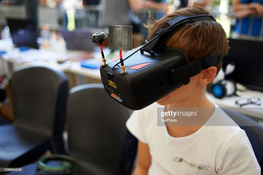 Robots Race In Toulouse, France : Fotografía de noticias