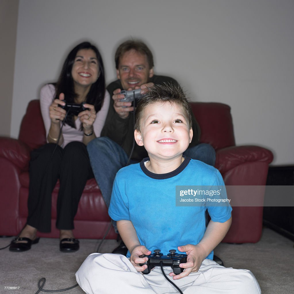 Rounds Videos Mommy Daddy With Gamer Daughter Typical often usually