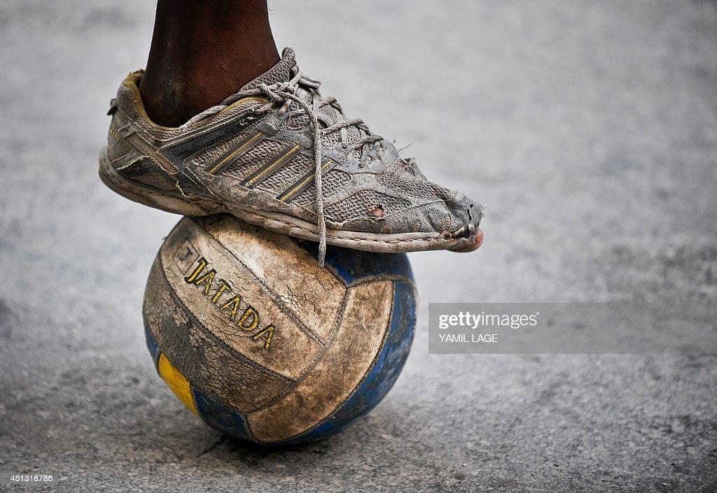 CUBA-THEME-FOOTBALL : News Photo