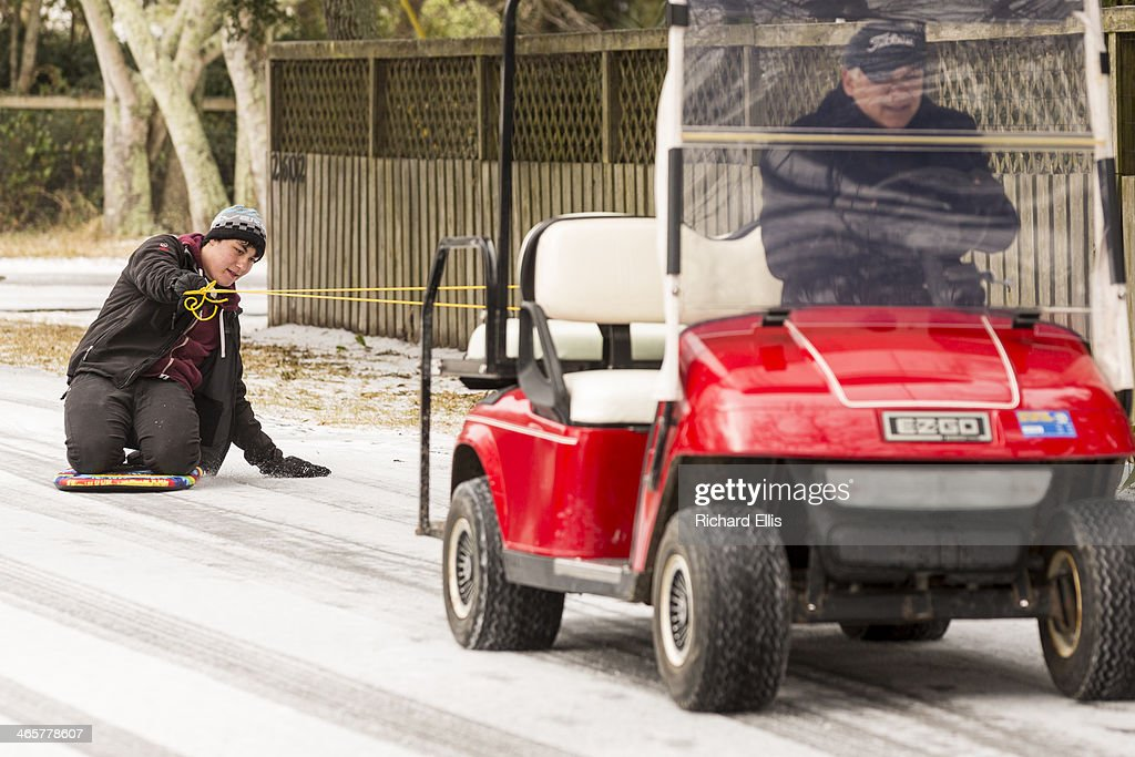 Rare Winter Storm In South Brings Ice And Snow To Region Unaccustomed : News Photo