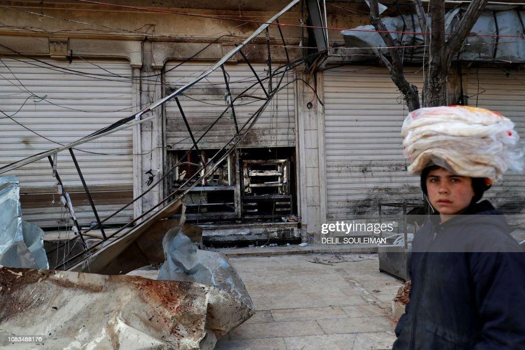 TOPSHOT-SYRIA-US-TURKEY-KURDS-CONFLICT : News Photo