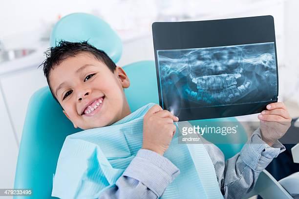 Garçon avec x-ray