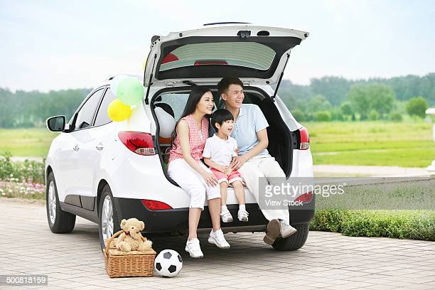 boy with his parents - domestic car stock pictures, royalty-free photos & images