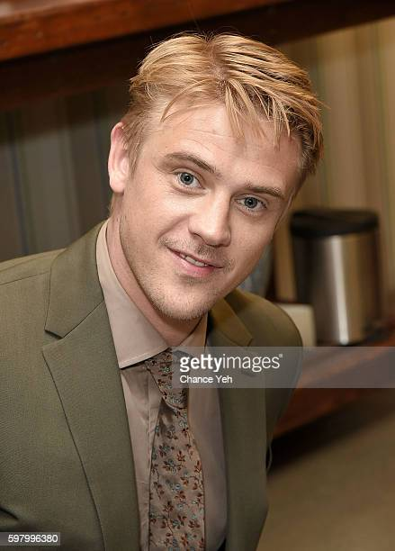Boyd Holbrook attends AOL Build to discuss season 2 of Netflix's 'Narcos' at AOL HQ on August 30 2016 in New York City