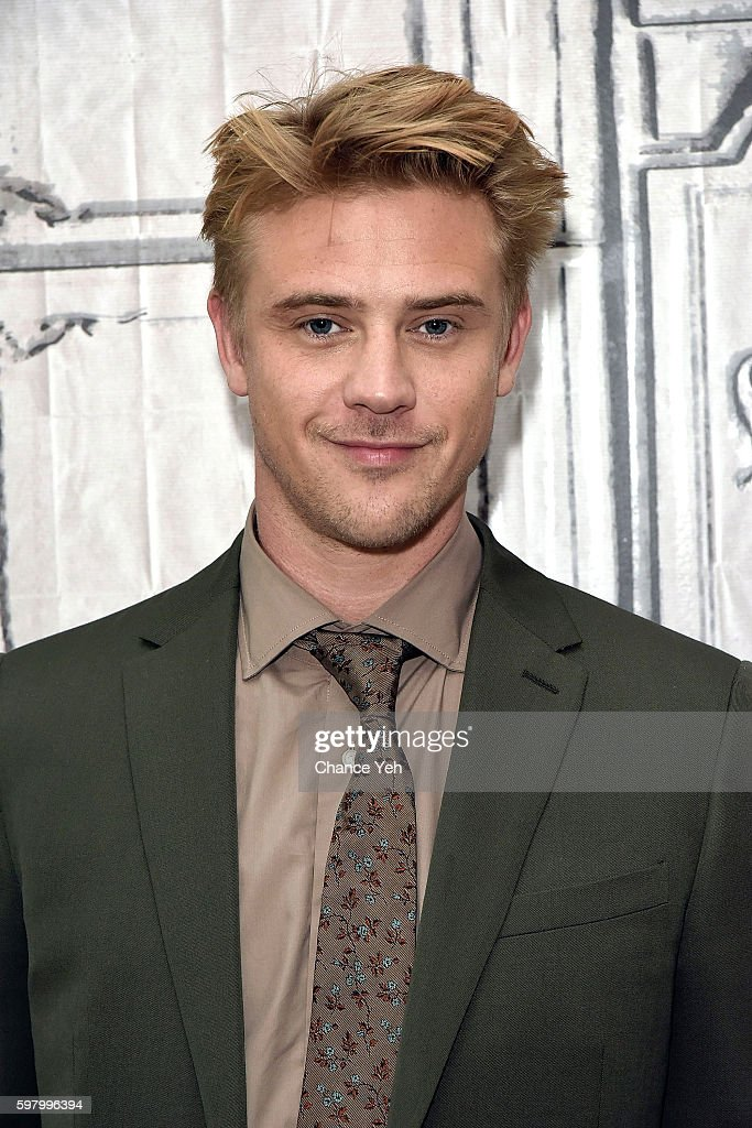 """AOL Build Presents Boyd Holbrook Discussing Season 2 Of Netflix's """"Narcos"""" : News Photo"""