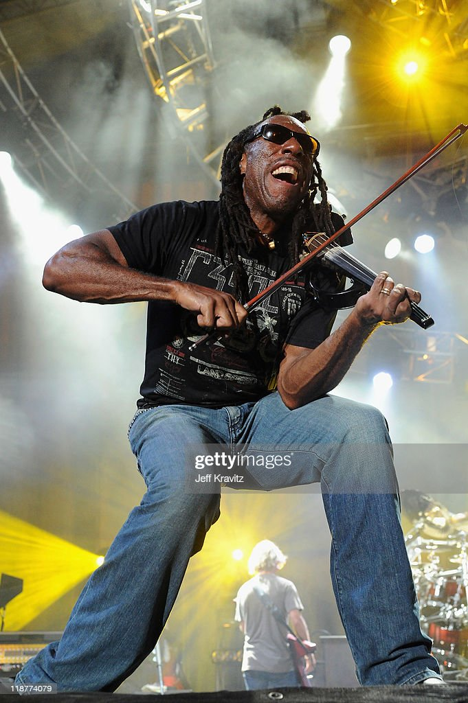 Boyd Tinsley of of Dave Matthews Band performs during the final day of Dave Matthews Band Caravan at Lakeside on July 10, 2011 in Chicago, Illinois.