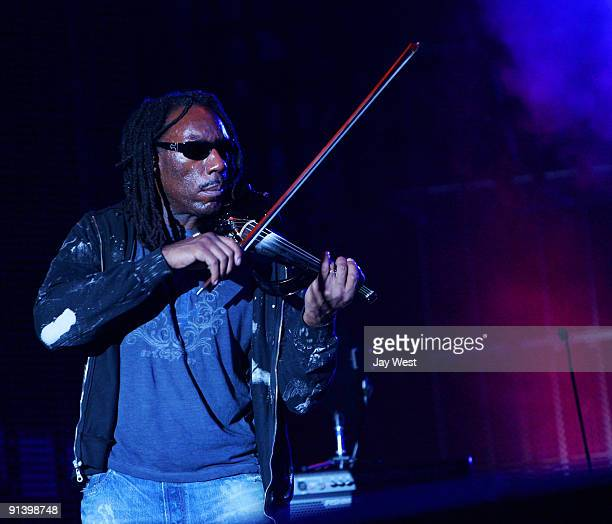 Boyd Tinsley of the Dave Matthews Band performs on day 2 of the Austin City Limits Music Festival at Zilker Park on October 3, 2009 in Austin, Texas.