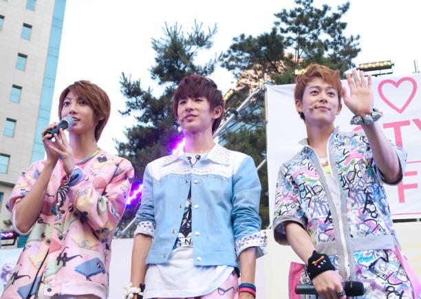 KOR: Boyfriend Promote First Album 'Love Style'