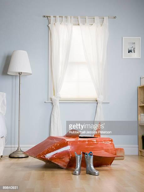 boy's bedroom with a red rocketship