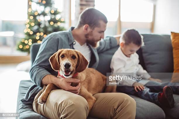 boys fun time. - winter family fotografías e imágenes de stock