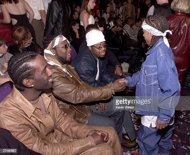 Boyz II Men and lil BowWow at the 2000 Radio Music Awards at the Aladdin Hotel in Las Vegas 11/04/00
