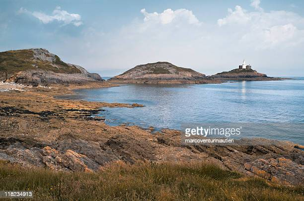 bracelet bay - iconic natural landmark of wales - marcoventuriniautieri stock pictures, royalty-free photos & images