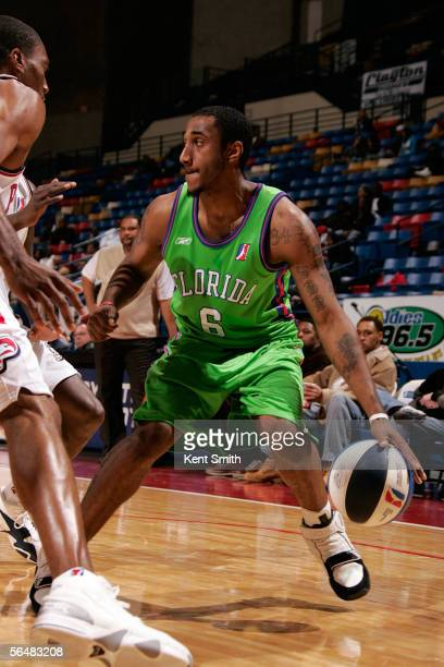 Bracey Wright of the Florida Flame drives to the basket against the Fayetteville Patriots at the Crown Coliseum December 22, 2005 in Fayetteville,...