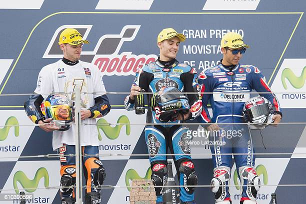 Brad Binder of South Africa and Red Bull KTM Ajo Jorge Navarro of Spain and Estrella Galicia 00 and Enea Bastianini of Italy and Gresini Racing Moto3...