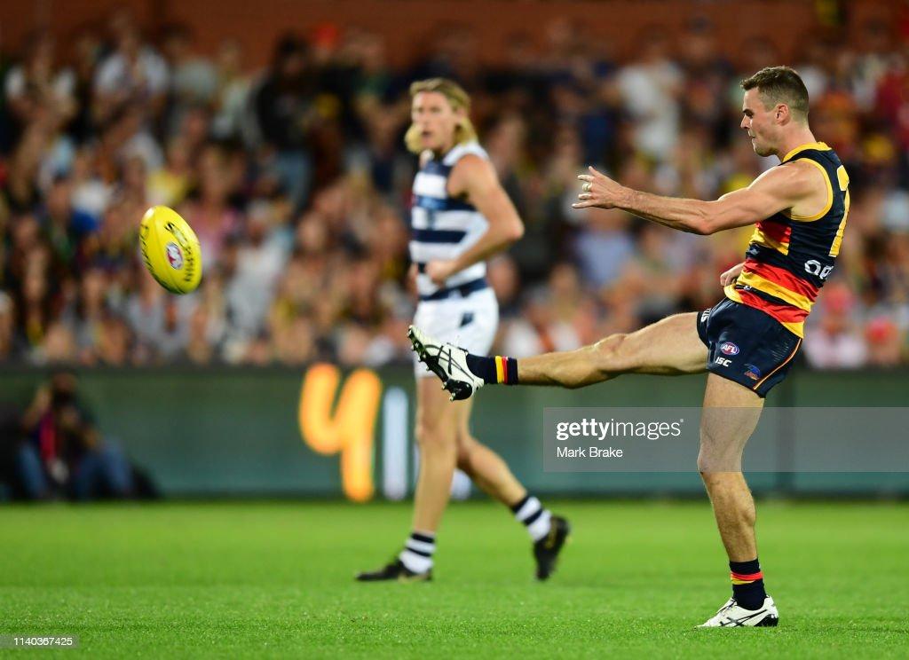 AFL Rd 3 - Adelade v Geelong : News Photo