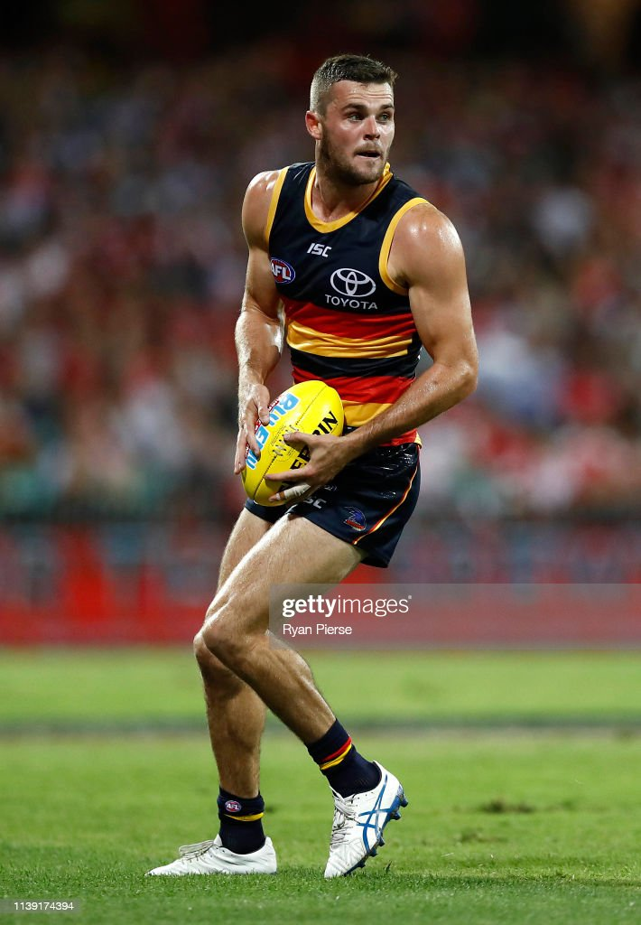 AFL Rd 2 - Sydney v Adelaide : News Photo