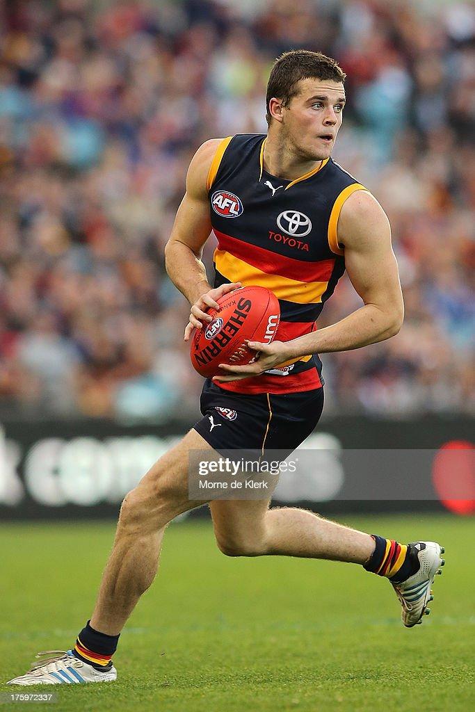 AFL Rd 20 - Adelaide Crows v North Melbourne : News Photo